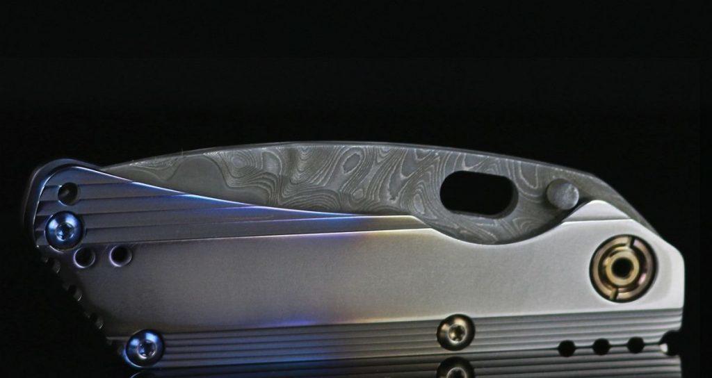 Duane Dwyer Custom mit Griffschalen aus Titan