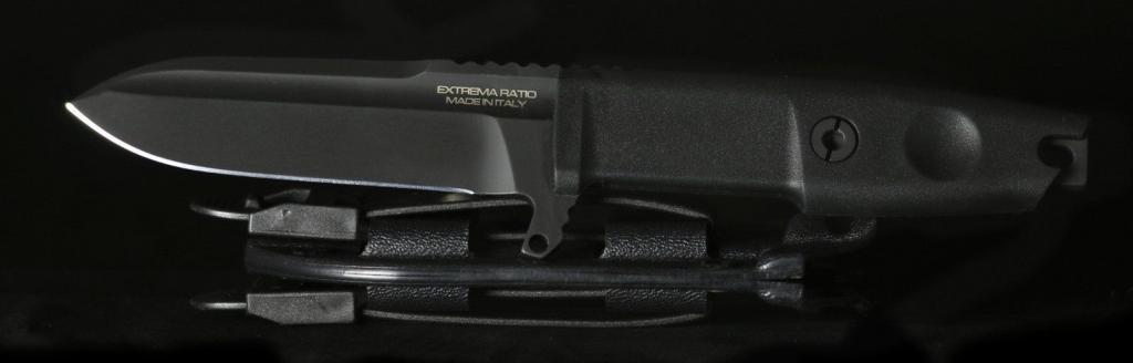 Extrema Ratio Defender mit schwarz beschichteter Klinge