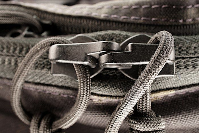 Vanquest Trident 20 Zipper