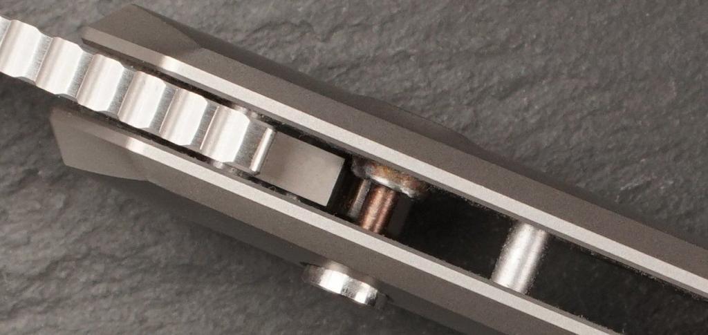 Button Lock Verriegelung