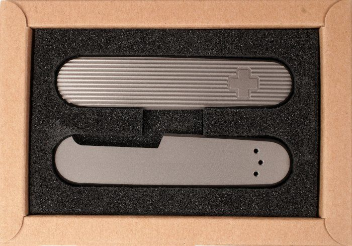 Griffschalen aus Titan für das SAK 91 von Daily Customs
